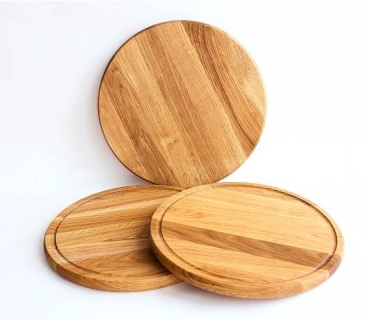Round oak wooden pizza serving boards