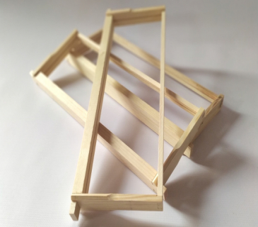 Commercial shallow (super) frames for commercial hives